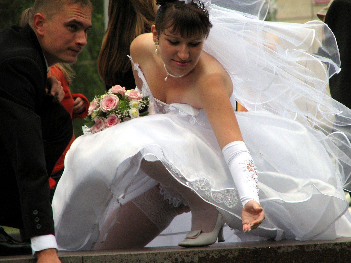 стенах видео на свадьбе без нижнего белья полуночи