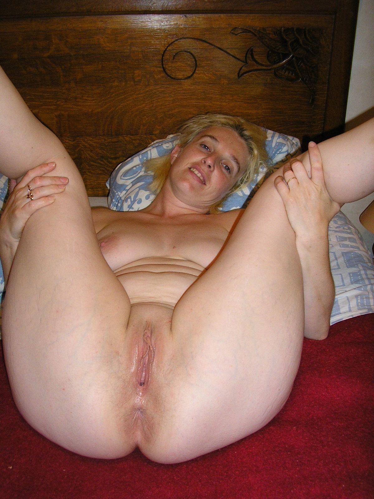 femme nue ouverte