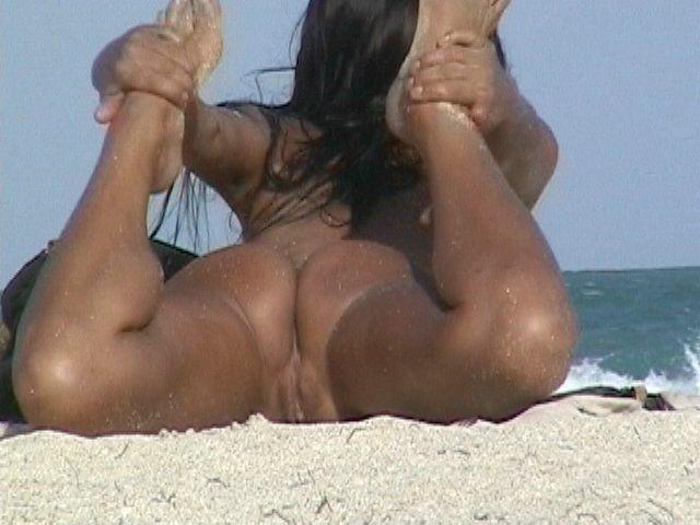 photo volée a la plage sexe rasé